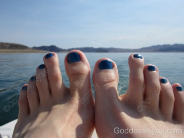 My toes match the water!